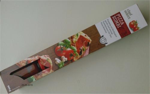 Pizzakombi, Teig mit Tomatensauce, Mai 2015