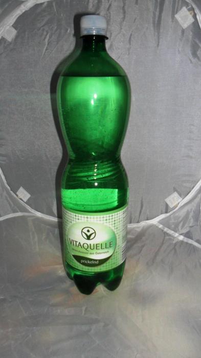Mineralwasser, prickelnd, Juni 2012