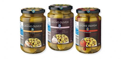 Griechische grüne Oliven, mit Paprika gefüllt, Februar 2014
