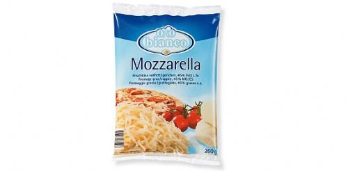 Mozzarella gerieben, Februar 2009